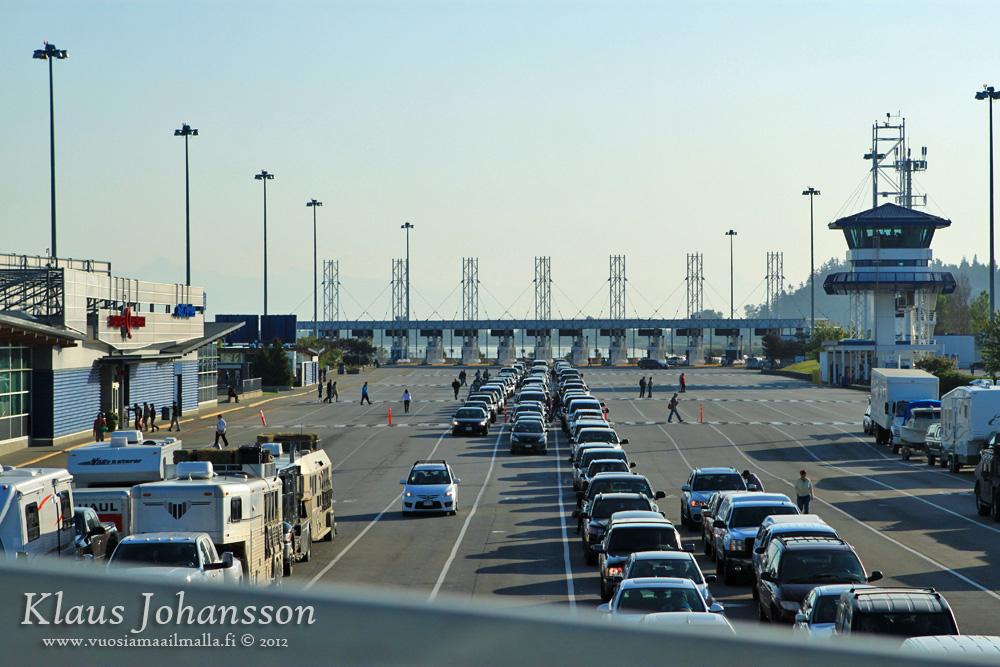Mikä Erottaa Moottoritien Moottoriliikennetiestä?