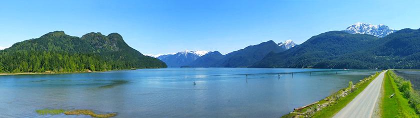 Kaunis Pitt Lake